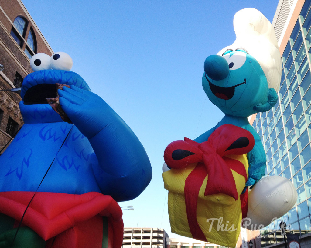 cookie monster and smurf giant balloons