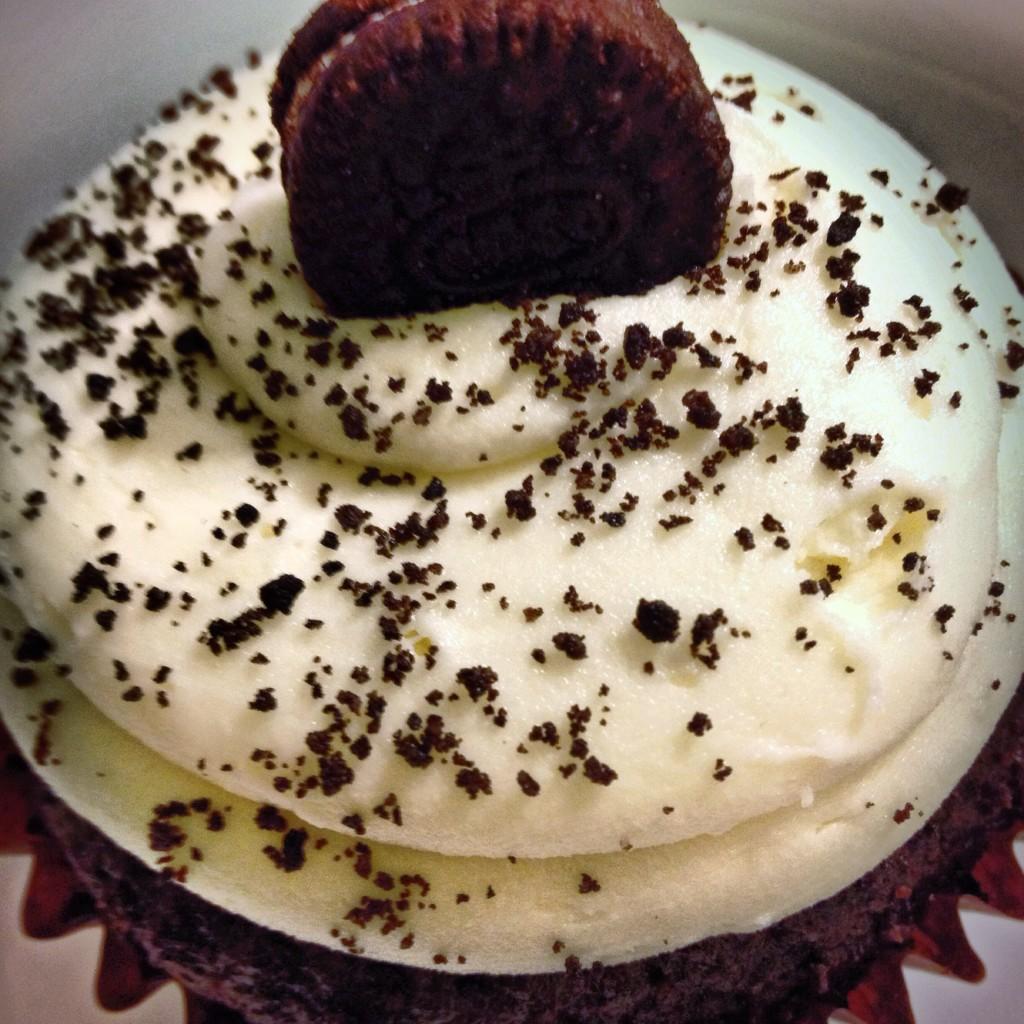 tuxedo cupcake