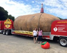 Big Idaho Potato Tour at World's Largest Catsup Bottle