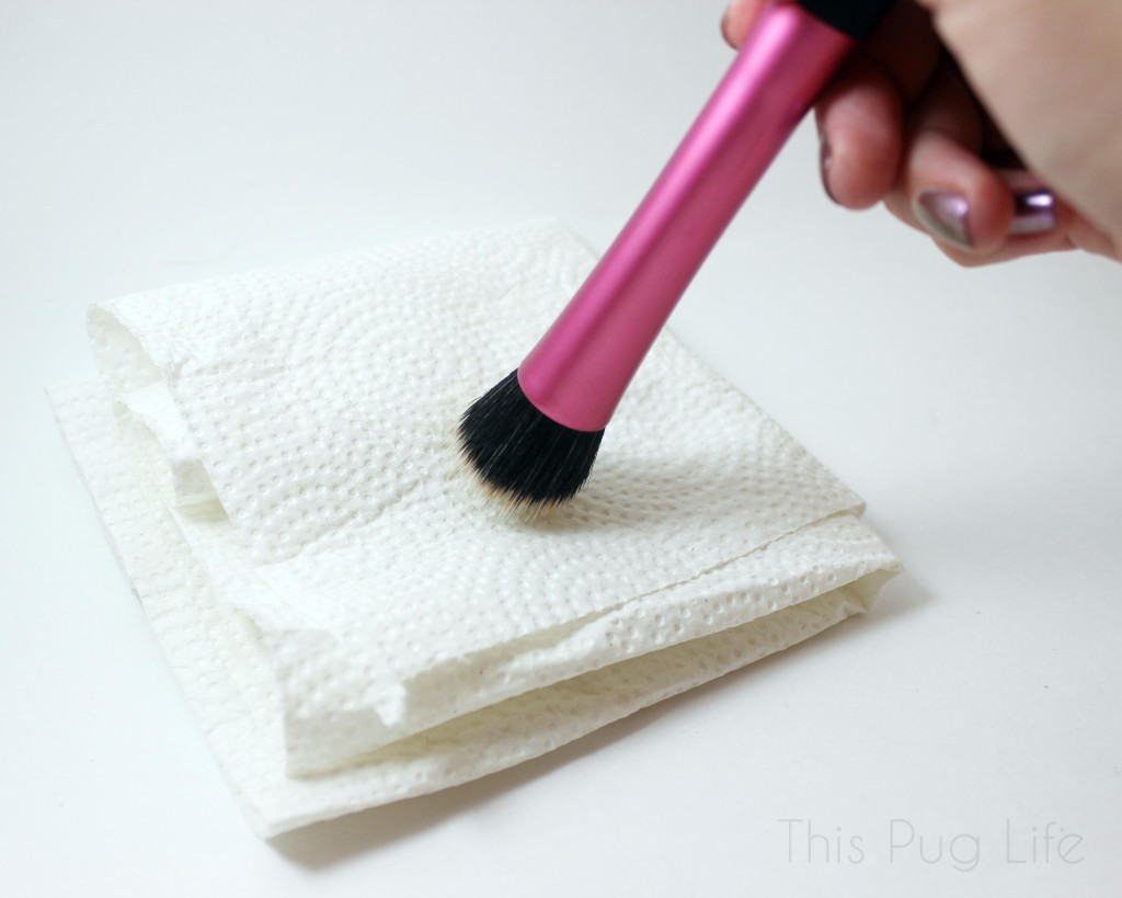 Using DIY Makeup Brush Spot Cleanser